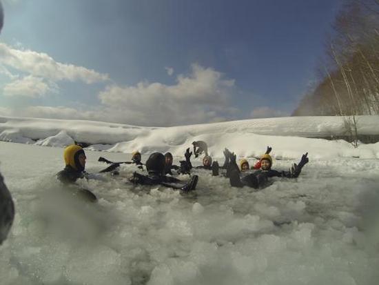 水質10年連続日本1位の透明度を誇る支笏湖で,神秘的な湖を楽しもう