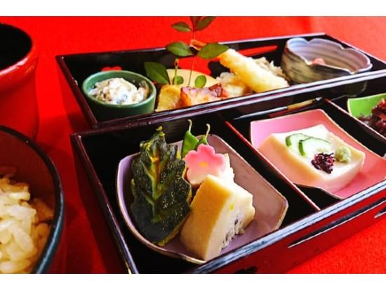 京都の料亭「泉仙」ランチコース