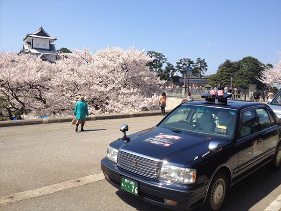 観光のプロ!タクシードライバーが案内する寿司と金沢観光