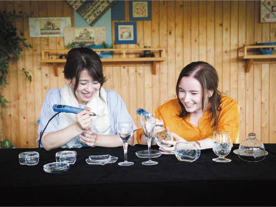 グラスグリプティ(手彫り硝子工芸体験)