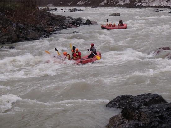 北海道一の激流!鵡川ラフティング