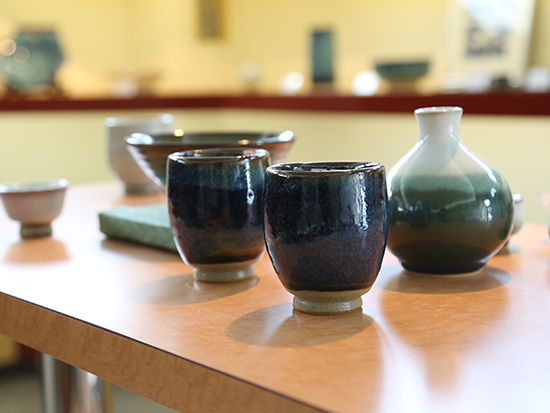 Let's experience pottery with hand wheel!