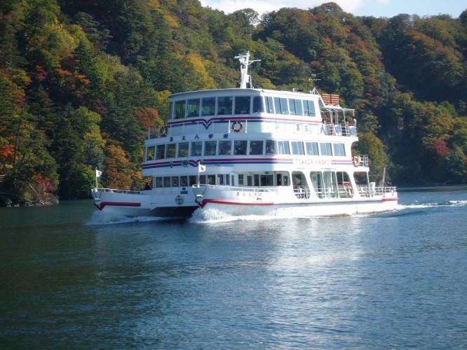 十和田湖遊覧船(一例)
