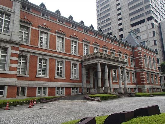 堂々たる煉瓦造の法務省旧本館!